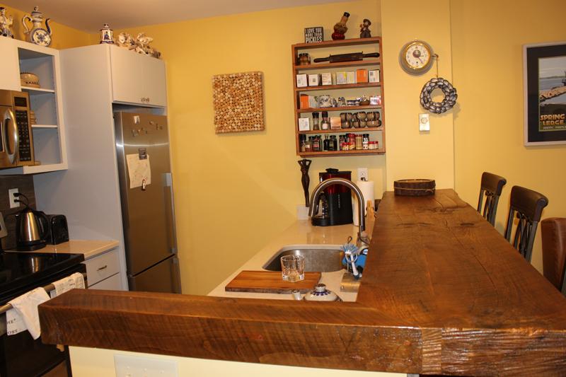 Unit 115 Kitchen