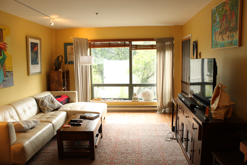 Unit 115 - Living Room