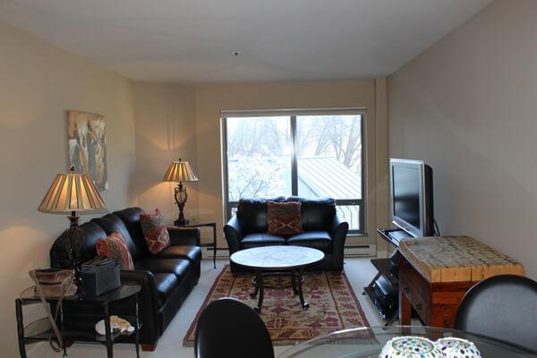 breakwater-condo-unit-201-living-room