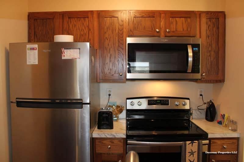 Unit 317 - Kitchen cabinets